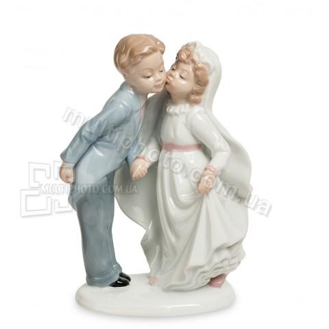 Фарфоровая статуэтка Pavone JP торжественный поцелуй 21 см