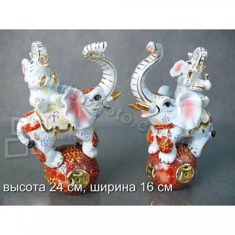 Набор фигурок фарфоровых Праздник слонов